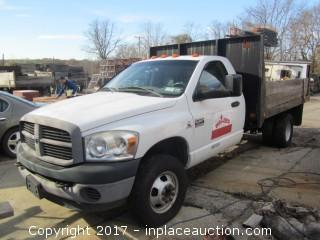 2006 Dodge Ram 3500 HD Single Axle flatbed truck 34,000 miles