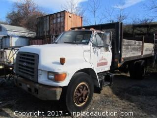 1995 Ford F800 Flatbed Truck w/2000 lb liftgate, Manual trans, 151,000 miles
