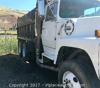 1986 Ford LT9000 Dump Truck